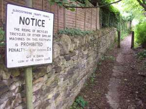 Nailsworth. Footpath from Egypt Mill to Northfields Rd, June 2015.
